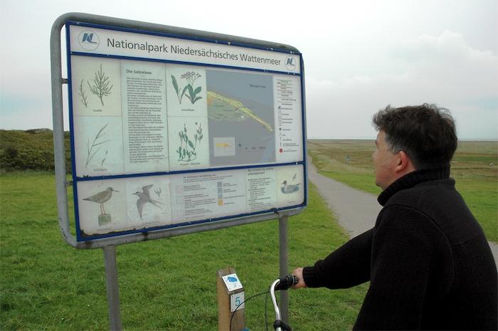 Erkundungstafel auf Wangerooge - Nationalpark Niedersächsisches Wattenmeer