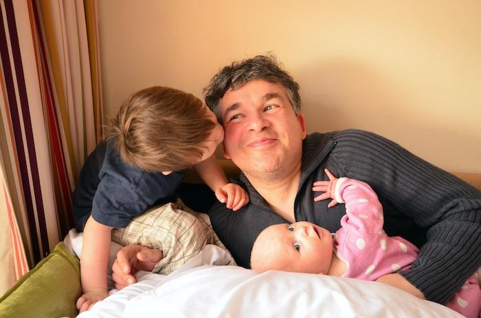Vaterfreuden mit zwei Kindern - Pierre Wilde