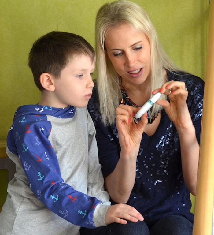 Elischeba testet den Breathox Salzinhalator