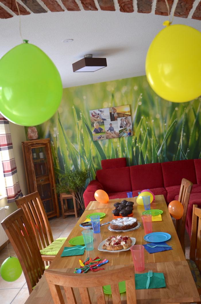 grüne Grastapete fürs Wohnzimmer