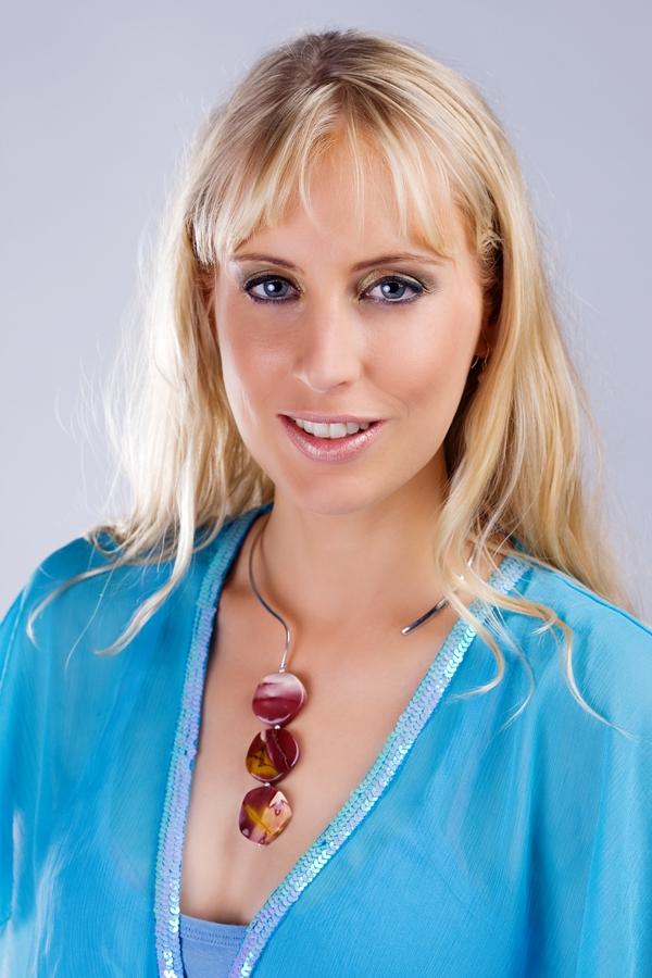 Elischeba Wilde - Portrait mit Halskette