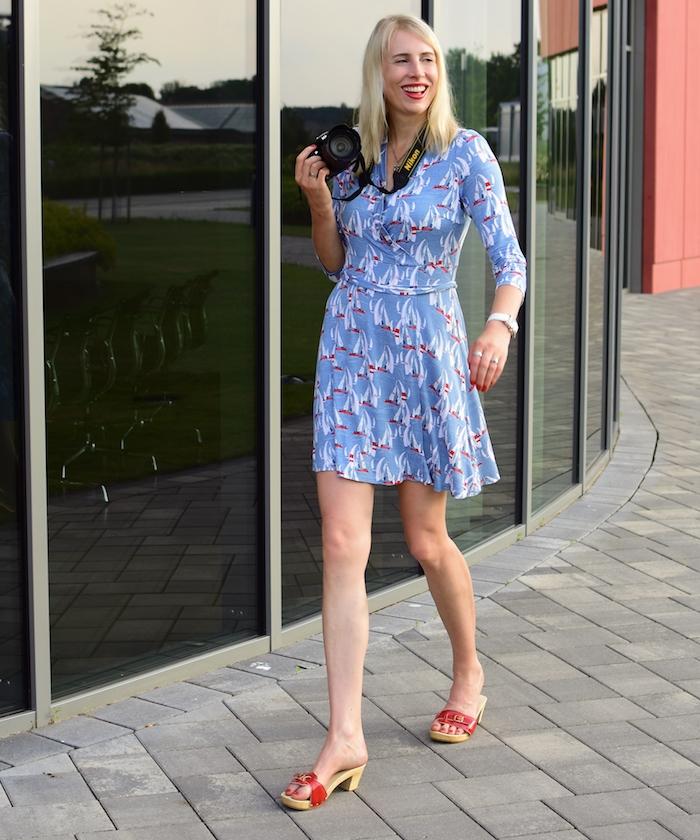 Elischeba Wilde - Model mit Holzclogs