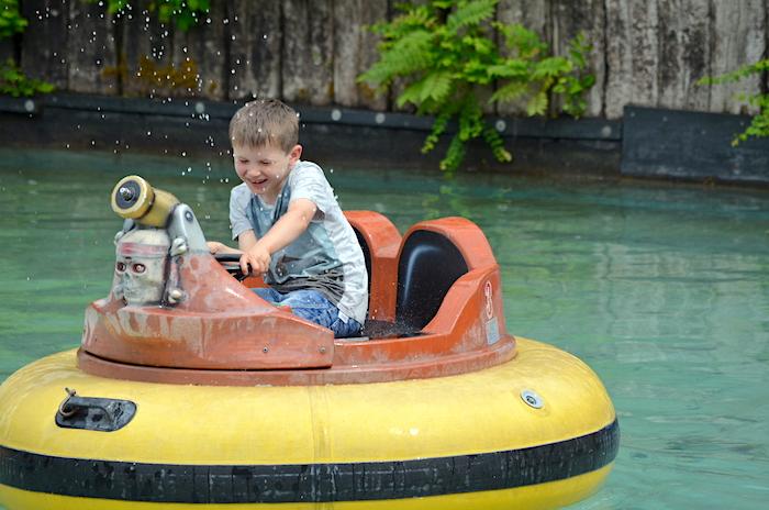 Boot mit Wasserkanone