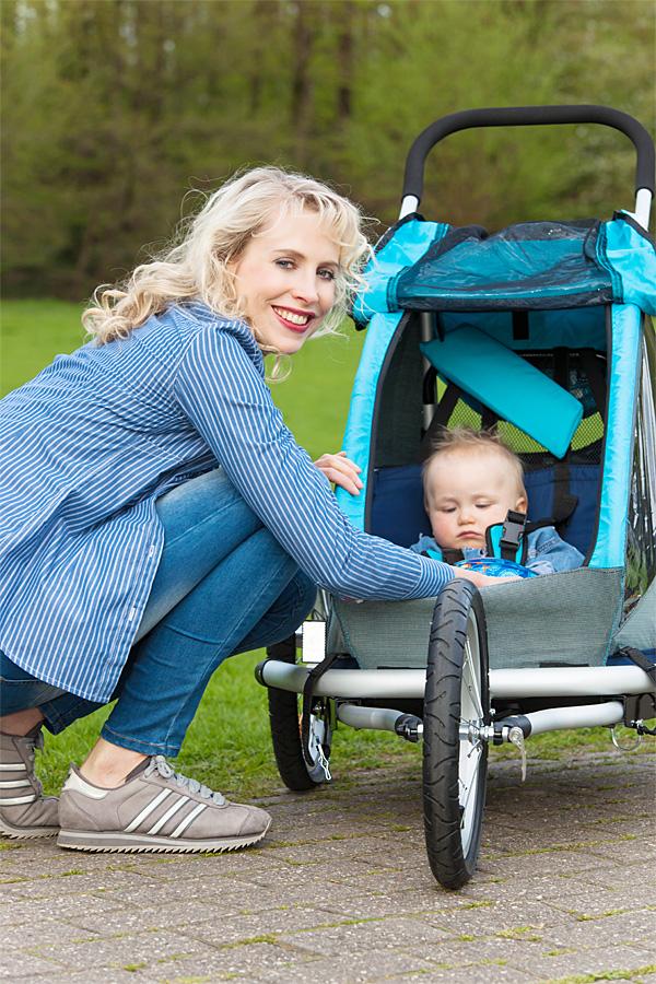 Elischebas Outdoor Fotoshooting mit Baby Leon