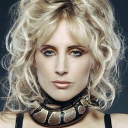 Elischeba Wilde - Portrait - Snake Lady