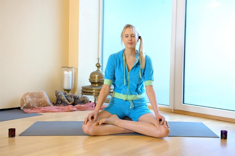 Elischeba Wilde - Yoga Meditation - Fotoshooting in Nierstein