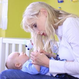 Elischebas Fotoshooting mit Baby Leon
