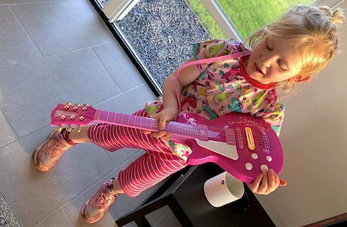 Simba Gitarre für Kinder