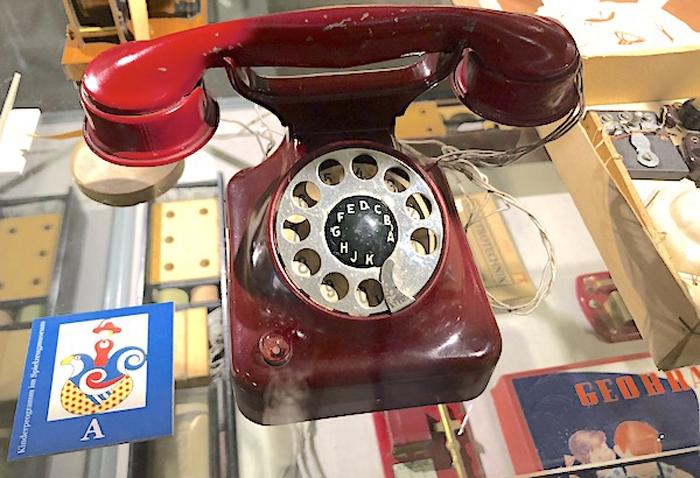 Telefon mit Drehscheibe