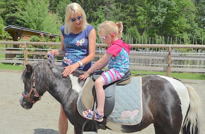 Ebnerbichl Pony reiten