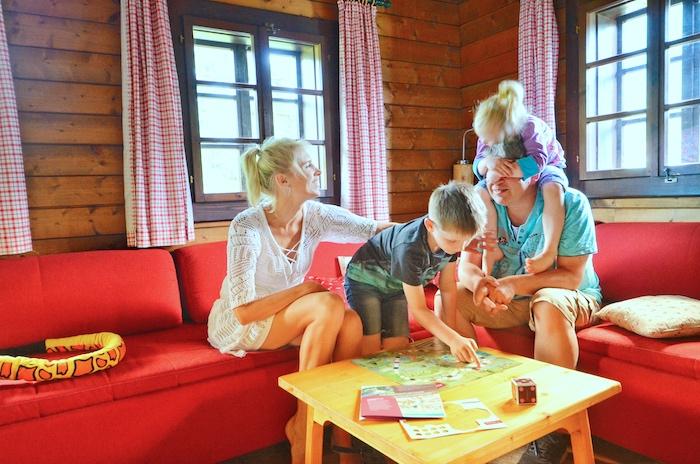 Hüttendorf Kirchleitn Unterkunft von innen