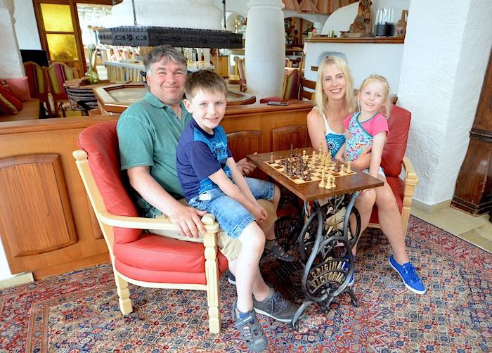 Schach spielen als Familie