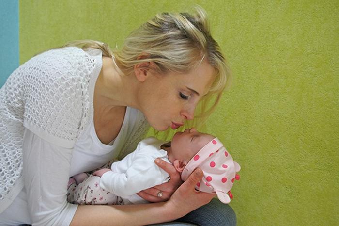 Elischeba mit Töchterchen Emily