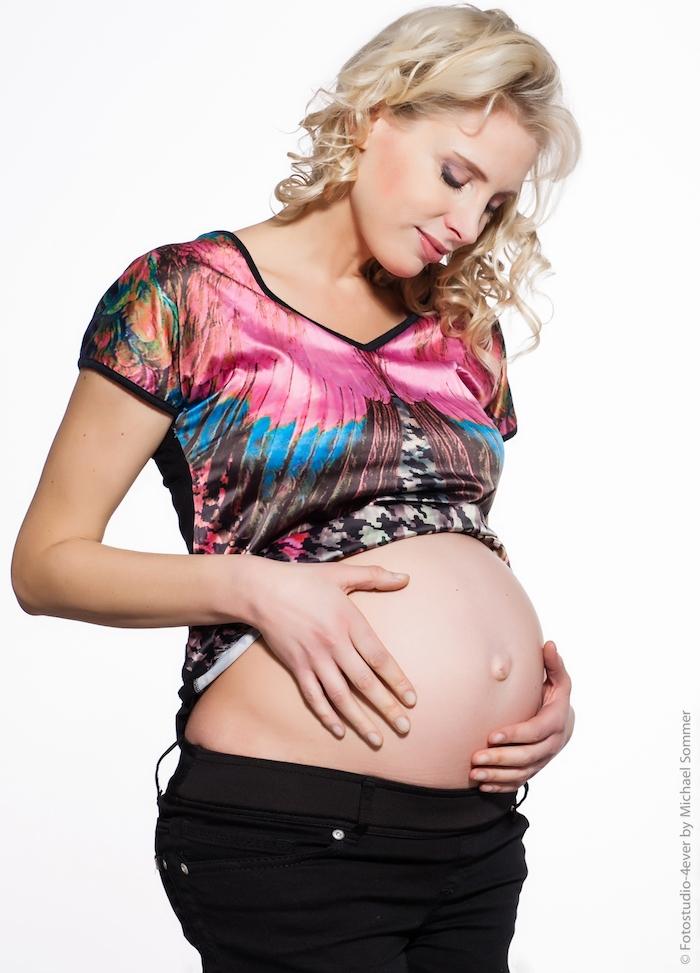 Elischeba Wilde mit Babybauch