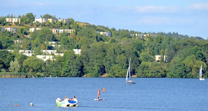 Centerparc Bostalsee von weitem