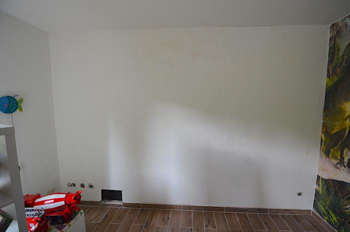 unebene Wand tapezieren
