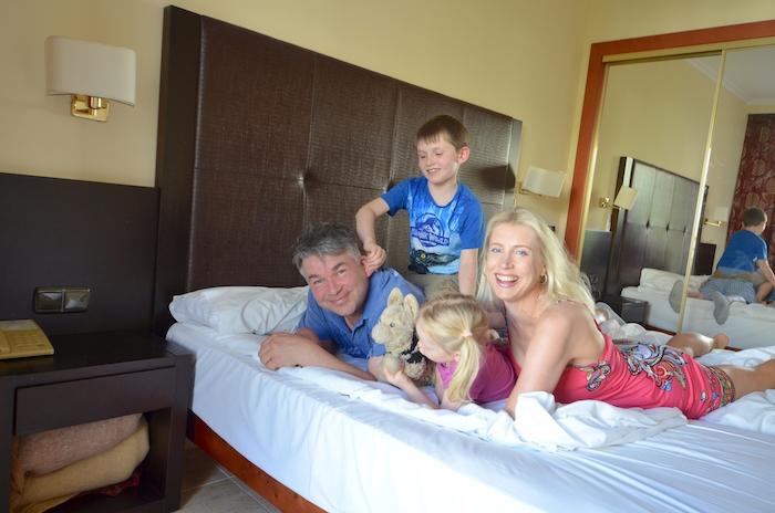 Famile Wilde im allsun Hotel Orient Beach Sa Coma
