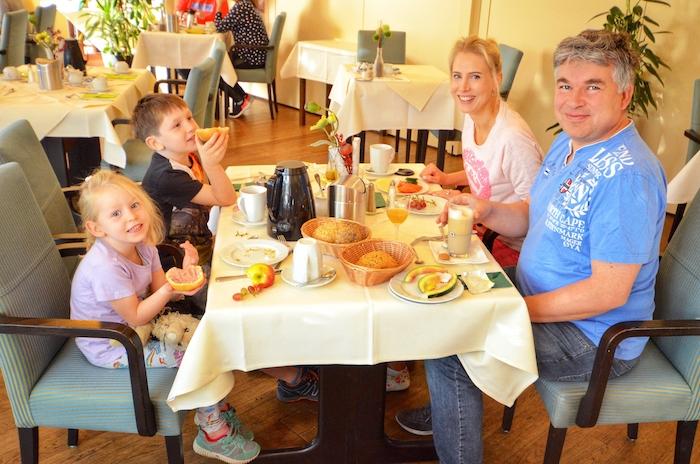 Frühstück im Hotel zum Märchenwald in Lingen