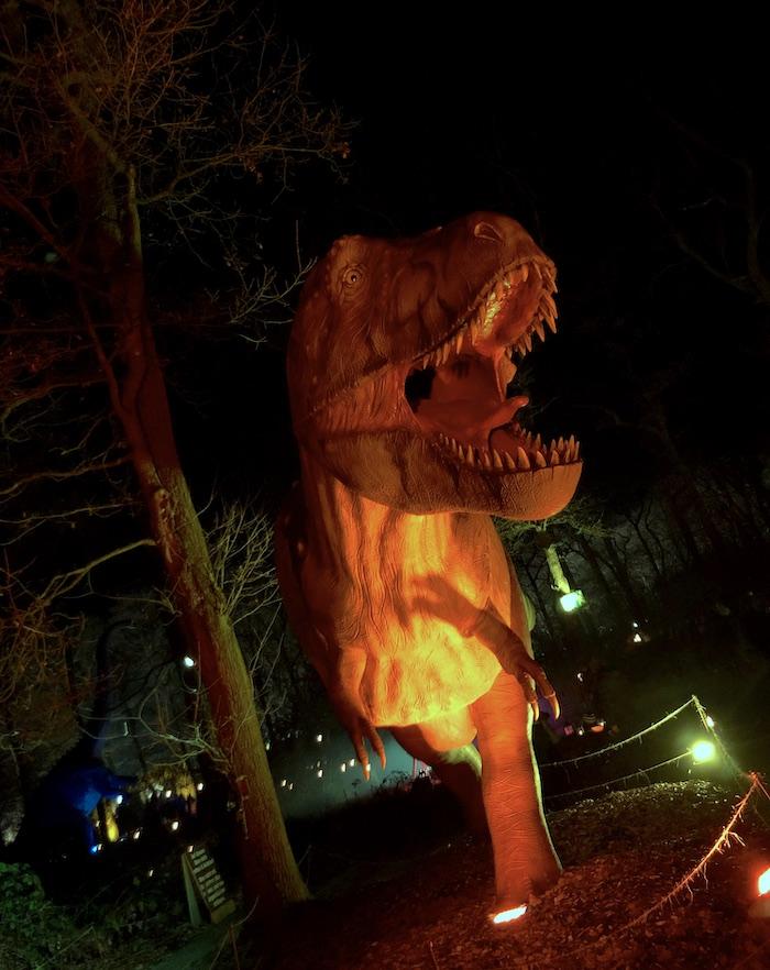 Dinosaurier auf dem Lichterweihnachtsmarkt in Dortmund