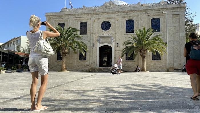 Kirche in Heraklion mit AIDAprima