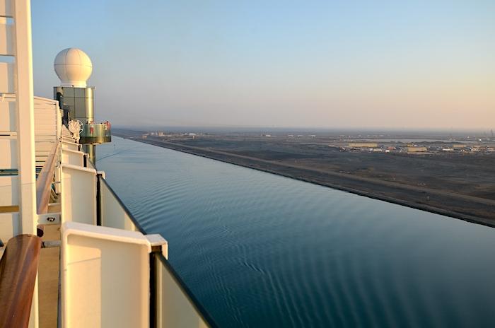 Suezkanal Passage Anfang - in der Nähe von Port Said
