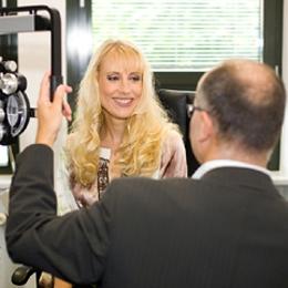 Elischeba Wilde - Werbemodel für Frank Bergmann Augenoptik