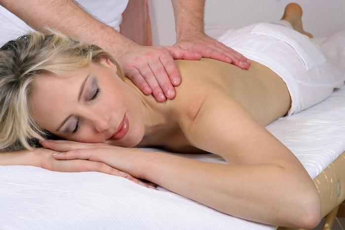 Massage - Model Elischeba Wilde