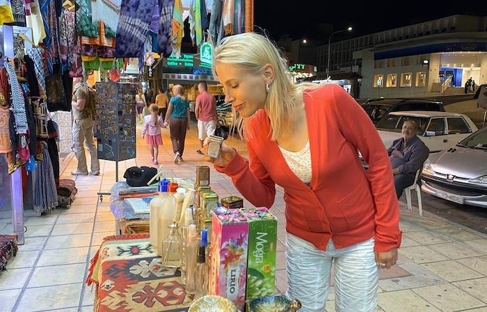 Elischeba beim shoppen in Aqaba