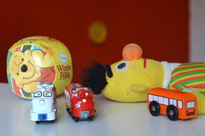 Ernie und Züge
