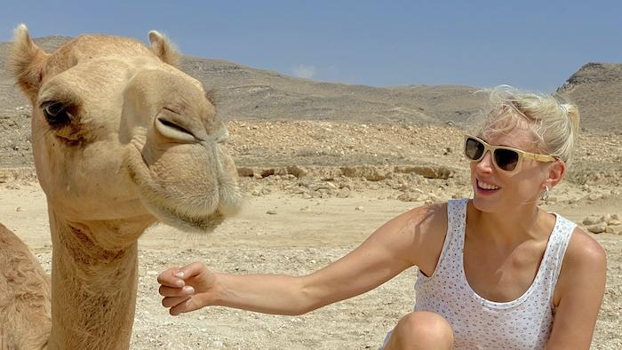 Elischeba mit Kamel im Oman