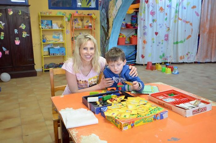 Elischeba und Leon im Kinderclub