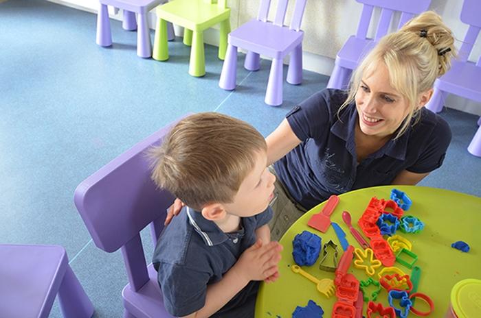 Leon und Elischeba Wilde im KidsClub in Frankreich
