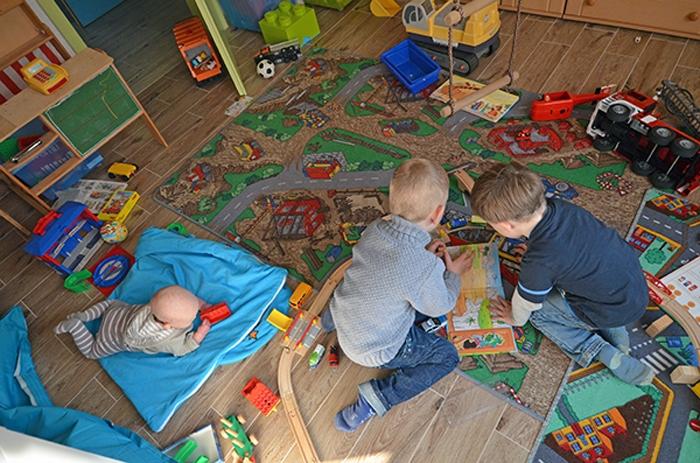 Spielzimmer mit Kids im Oktober 2015
