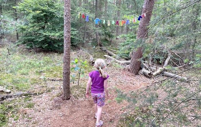 Zwergenkleidung im Wald