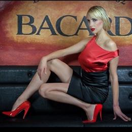 Elischeba Wilde - Sexy Lady in Rot und Schwarz
