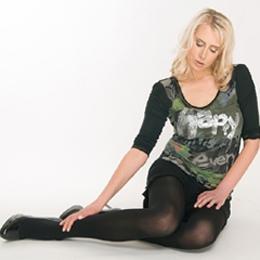 Model Elischeba Wilde in black Nylons