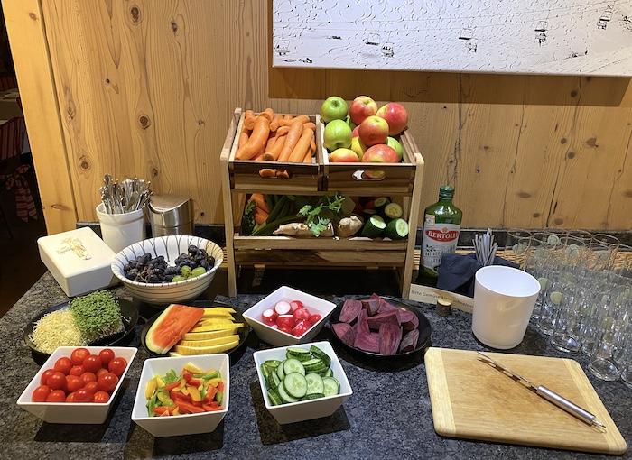 Grosslehen - Frühstück - frisches Obst und Gemüse