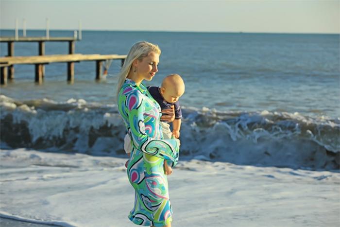 Lara mit Männchen - Elischeba mit Leon am Mittelmeer