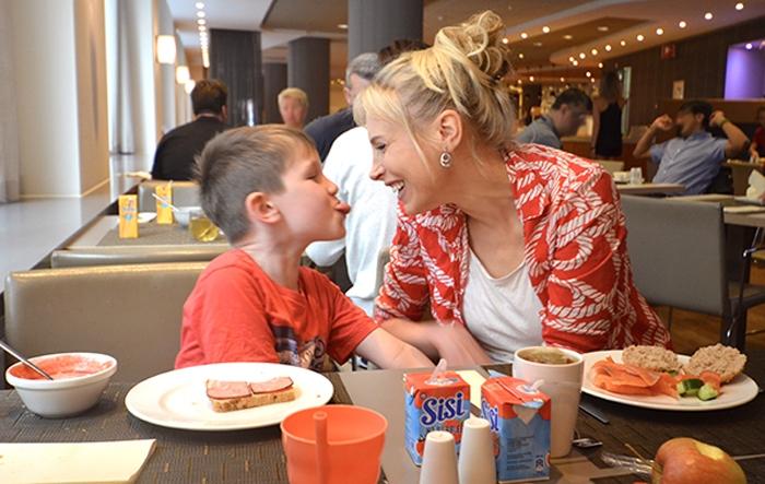 Novotel City breakfast - Elischeba und Leon