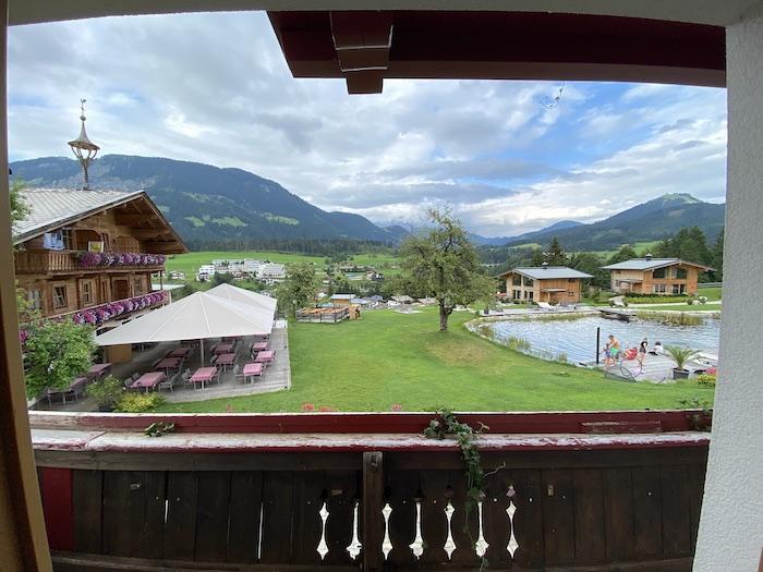 Schwimmteich - Chalets Grosslehen - Ausblick