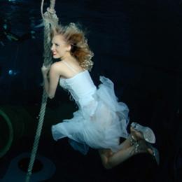 Elischeba Wilde - Unterwasser-Dreh mit SAT1