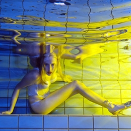 Elischeba Wilde - Unterwasser Fotoshooting mit Herbert Frei