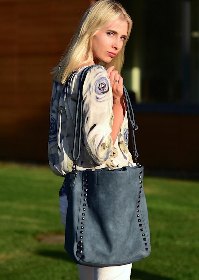 Elischeba Wilde mit blue bag