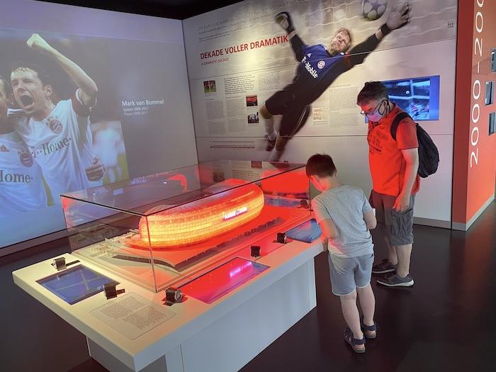 FC Bayern Museum mit Kindern
