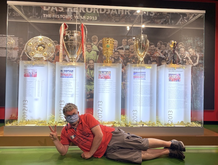 FC Bayern Siegespokale 2013 im Museum