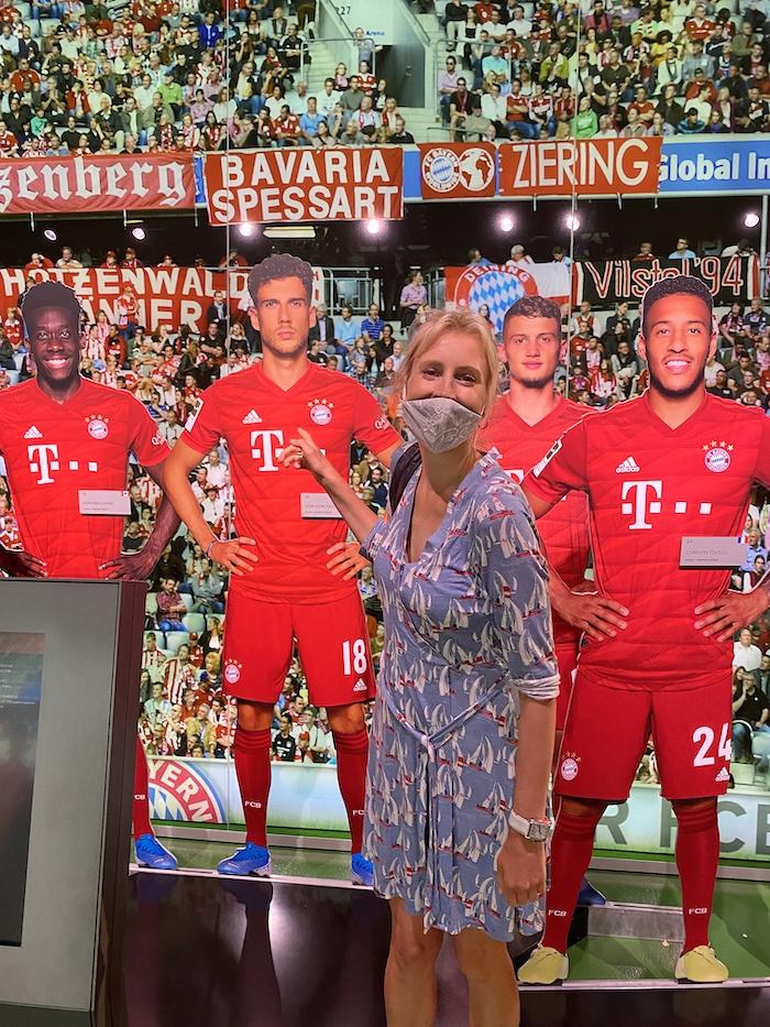 Elischeba mit FC Bayern Spielern