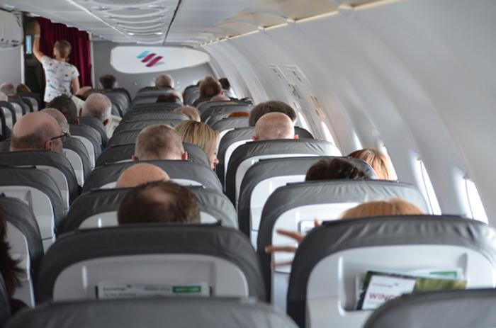 Flugzeug von innen auf dem Flug nach Fuerteventura