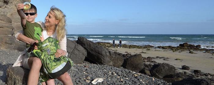 Elischeba und Leon beim Schulranzen Test auf Fuerteventura