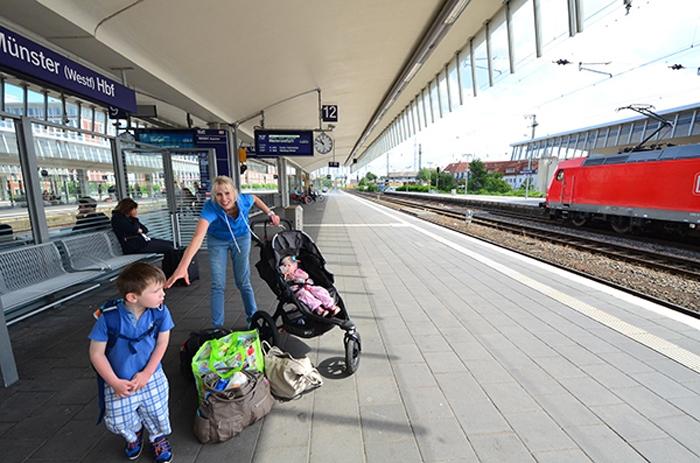 Abfahrt - am Bahnsteig in Münster