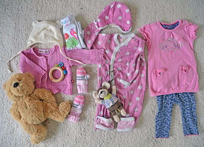 Babykleidung in rosa
